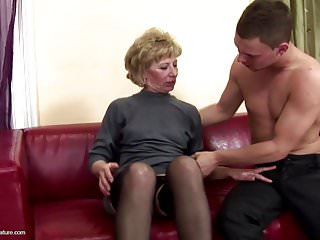 Hairy mature mom bore fucked increased by pissed on