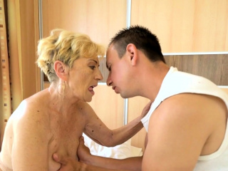Liver spot camouflaged granny gets pussy banged