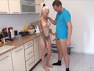 StepMom Caught naked in Kitchen and Seduce in the air Fellow-feeling a amour by Lassie