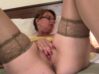 Old busty mom in pantyhoses stuffed with bushwa from behind