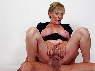 Juicy and sweet pussy be incumbent on Antonia's mam needs a big dick