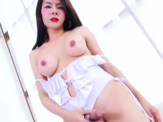 Bosomy Ladyboy Yaya Having Solo Fun