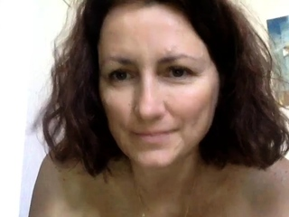 Horny French Cougar Uses Vibrator Squirting Camshow