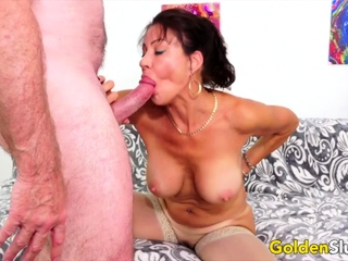 Golden Slut - Older Lady Blowjob Comp 5