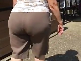 Big plump butt gilf in brown pants