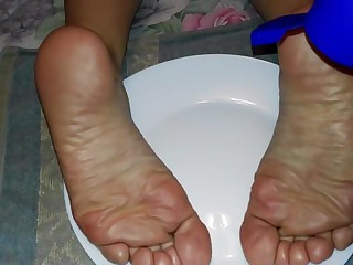 Who wants to deprecation my wife s feet?