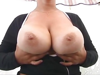 Mom brags her knockers 2