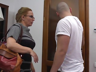 Steffi milf is sucking coupled with fucking with her junior lover