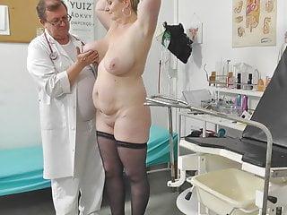 Voyeur doctor secretly films big mommy on their way gyno exam