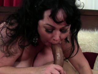 BBW Alexis Couture gets facial