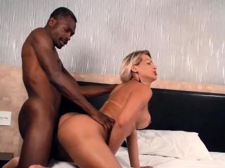 Mart Tgirl Pamela Lenvisk Gets Blacked