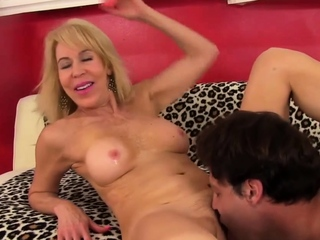 Golden Floosie - Eating Mature Pussy Compilation Part 2