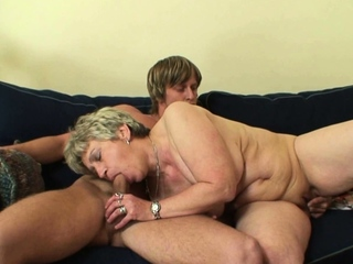 Shaved pussy old mature takes quickening from behind