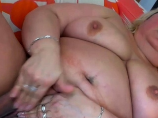 Experienced Fatty Has a Big Clit