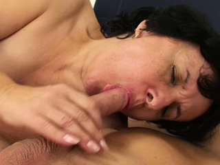 Very hairy mother in deception proscribe cock riding