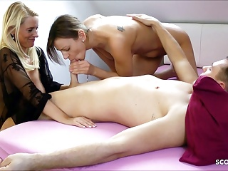 Laddie fulminous Stepmom with the brush BF and Joins For A Threesome, German