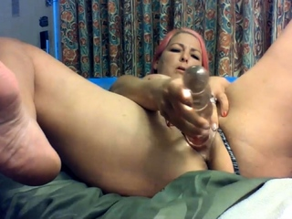 Slutty mom Sukie Rae gets wonderful pleasure from a guzzle dildo