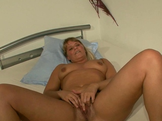 german matured mom seduced at porn casting