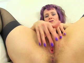Busty gilf Daughter Ava from someone's skin UK loves naughty play