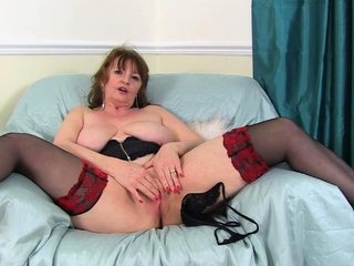 Busty gilf Lady Ava from be transferred to UK loves naughty play