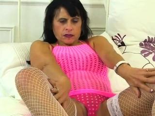 Chunky mature wife toy masturbation
