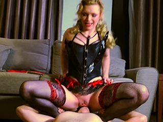 Mature fuck up puff up fucks her male slave's butt